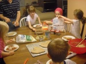 Making Pizza 001