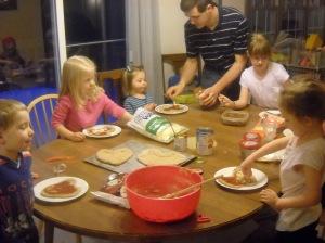 Making Pizzas 002